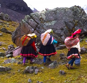 Indigenous women of Peru | Sacred Center Peru Journey