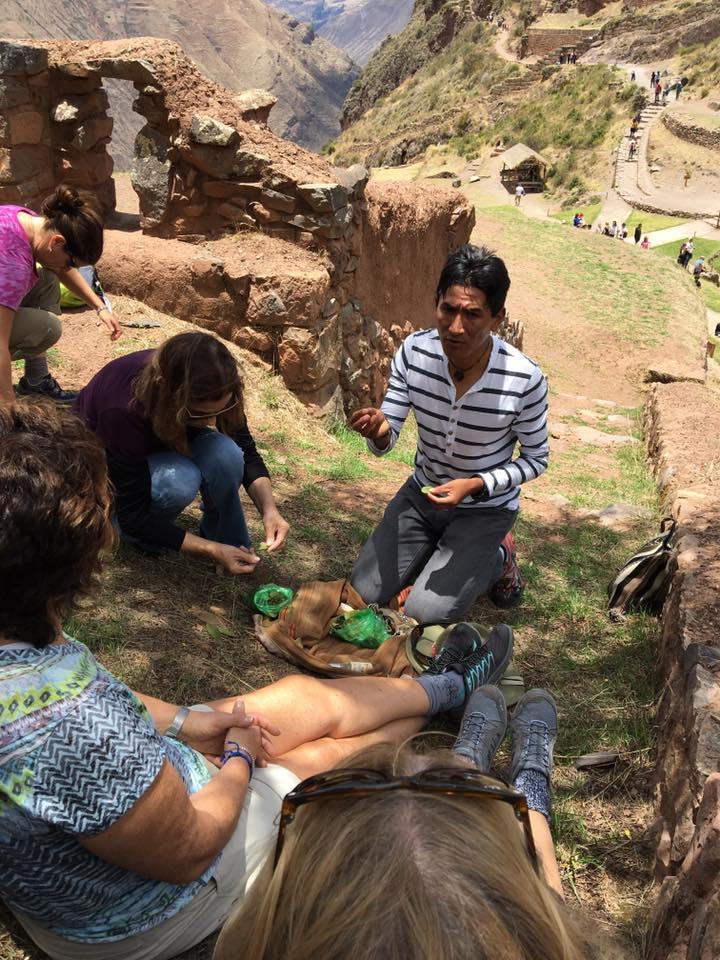 Eleanora Amendolara and Peruvian guide Ruli at Machupicchu